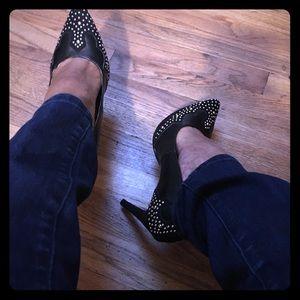 Pointy toe black pumps- sz. 10